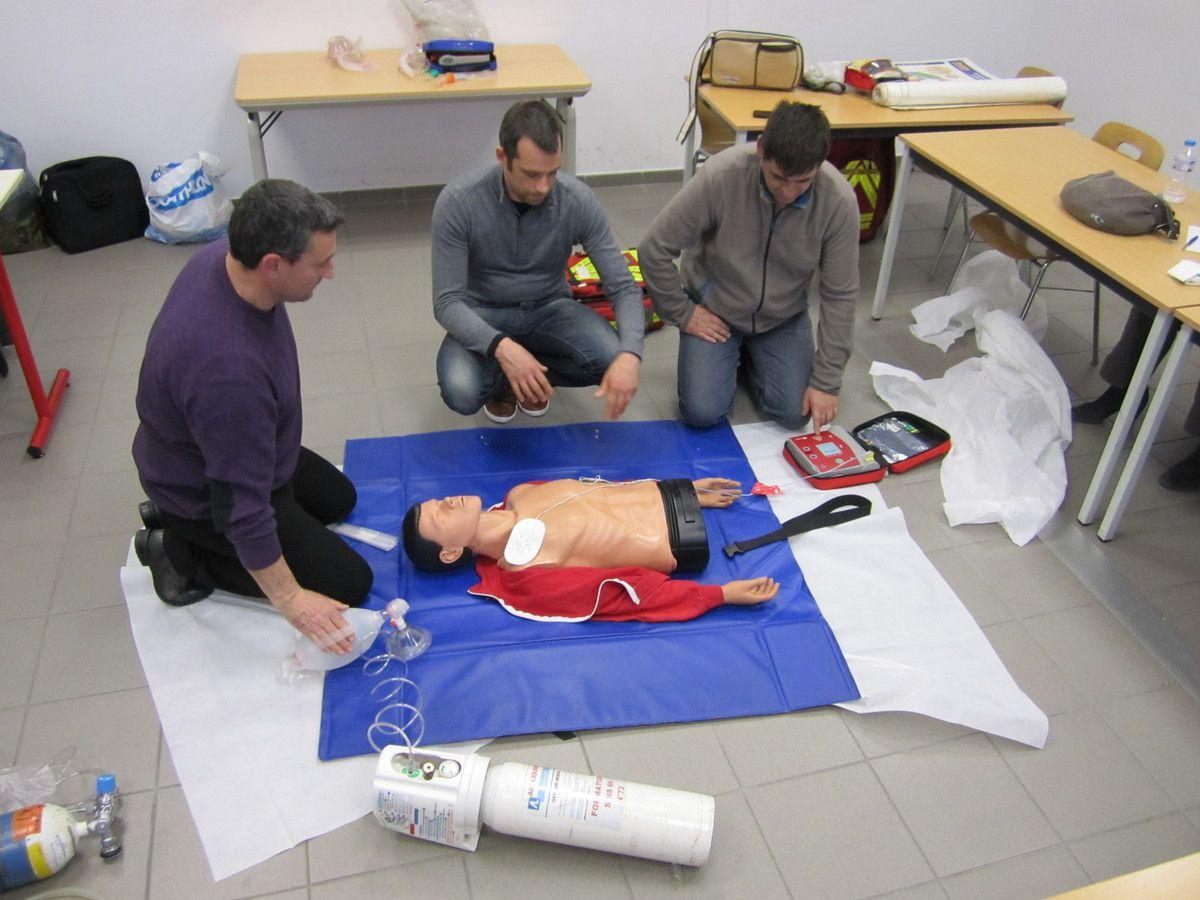 Sylvain, Cédric et Thierry en attente du verdict du DSA......     photo Stéphane Simonet