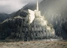 1/ Minas Tirith, La Cité Blanche. Une allusion à la Jérusalem céleste? Noté que la ville as 7 étages si je ne m'abuse ! 2/ Mont St Michel.