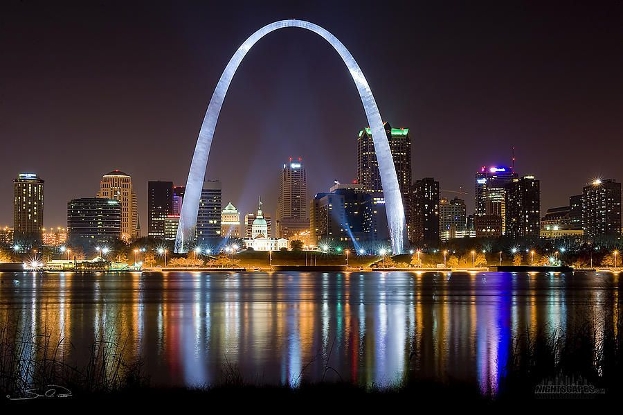 """The getaway Arch, Saint Louis, Missouri. Getaway veut dire """"échappatoire"""". To get away: partir de..."""