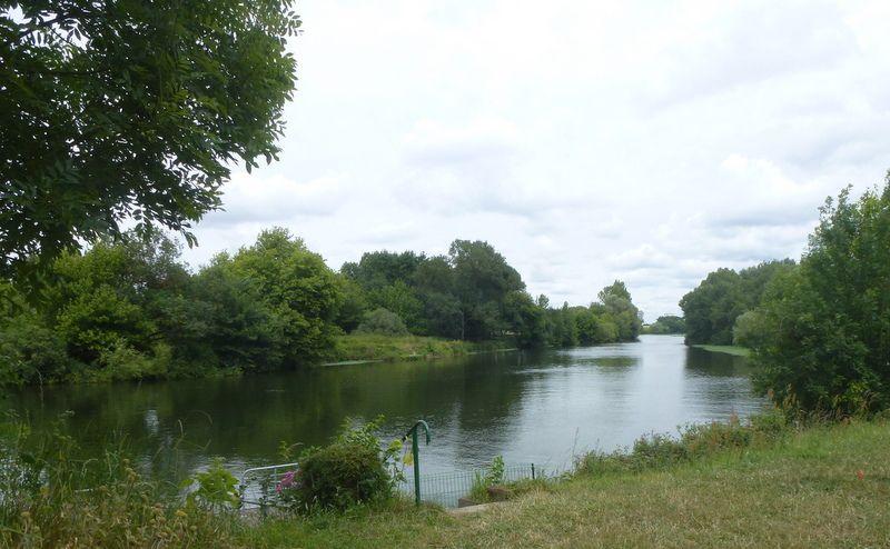 De la Chapelle aux Naux à Tours. Une portion de la Loire à vélo...Belle rando !