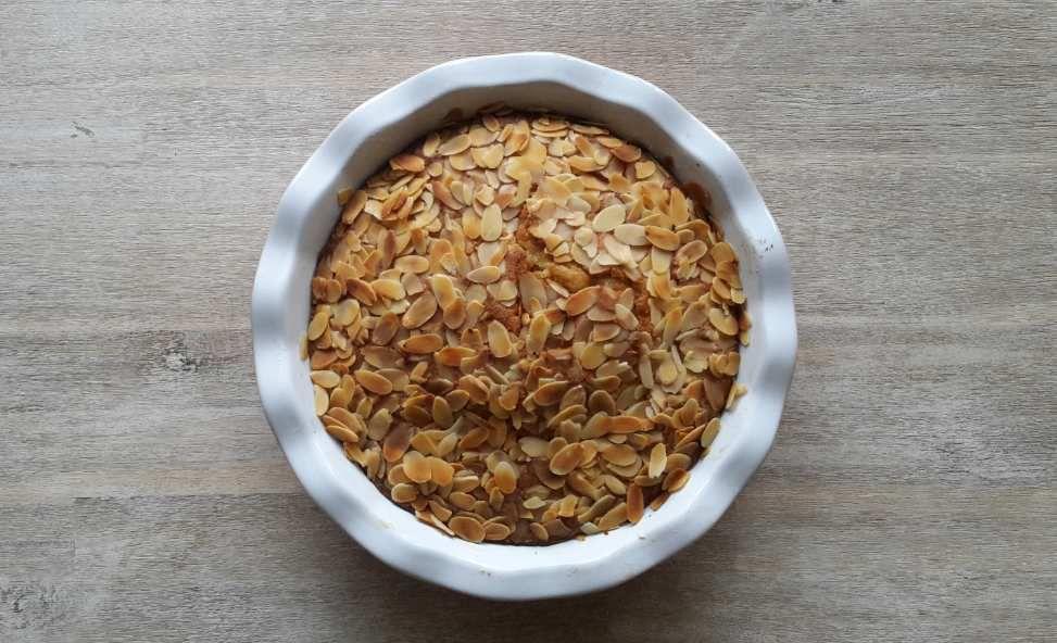 Gâteau très moelleux à l'amande, fleur d'oranger et écorces d'oranges confites