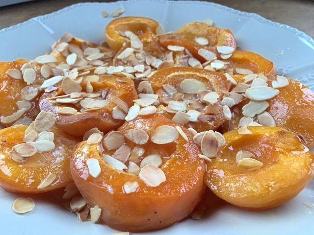 Abricots rôtis aux amandes et au miel