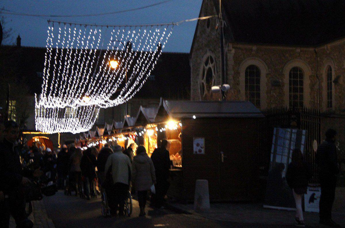 496. JOUARRE Marché de Noël 18, 19 et 20 décembre.