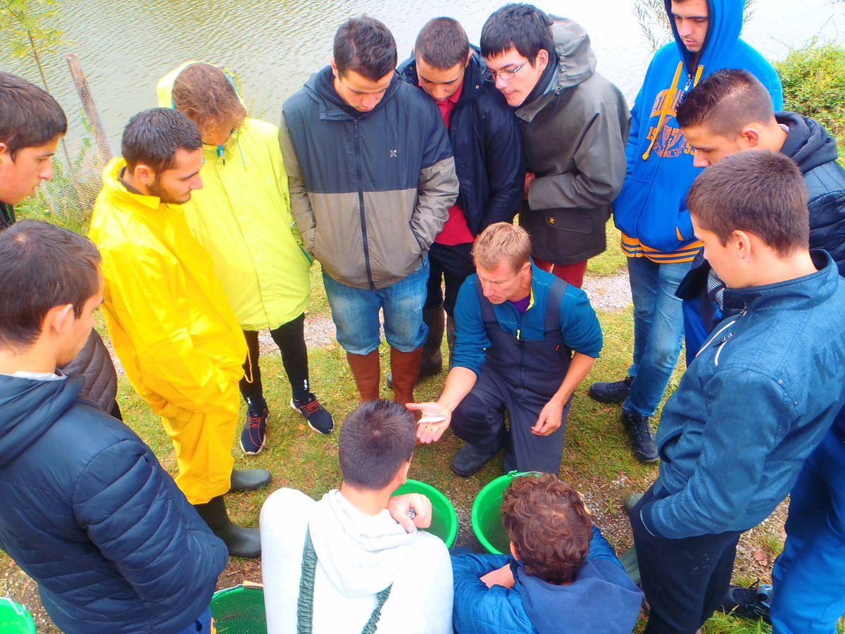 Mise en place d'un enseignement facultatif pêche pour les élèves de Bac   à la Maison Familiale Rurale de Naucelle