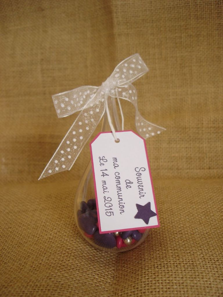 Une communion en fuschia &amp&#x3B; violet
