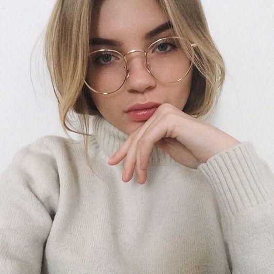 Les lunettes transparentes ont du style !