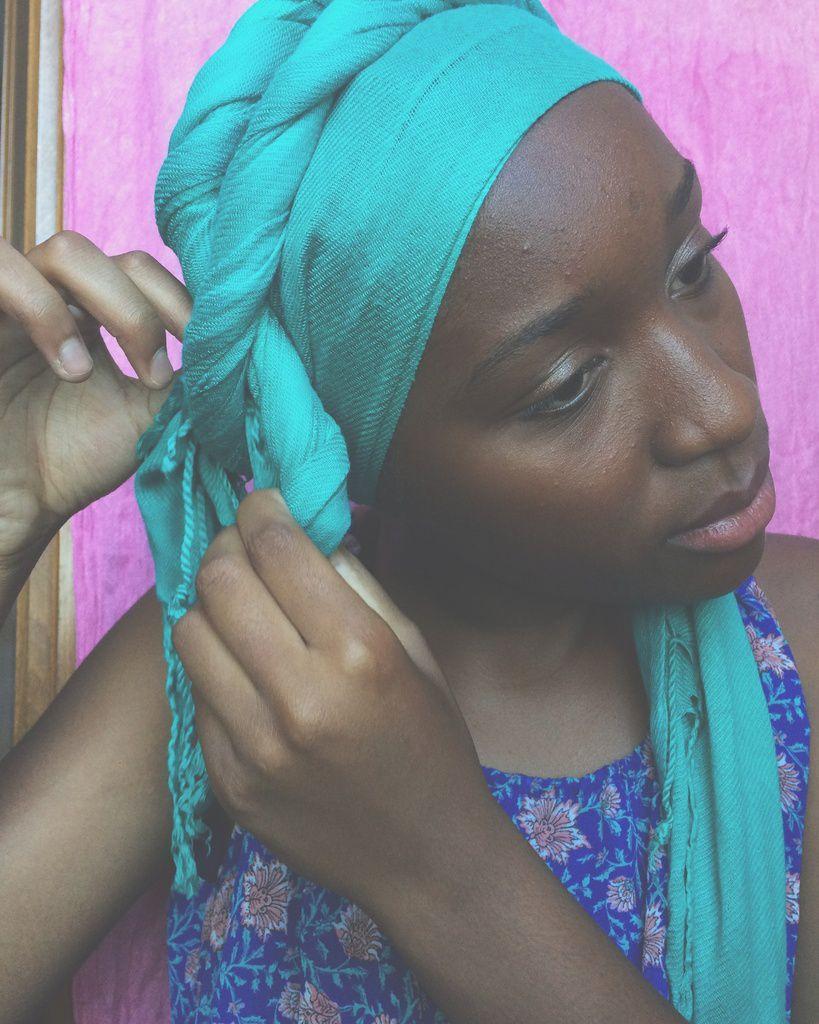 3 façons de nouer un foulard sur la tête