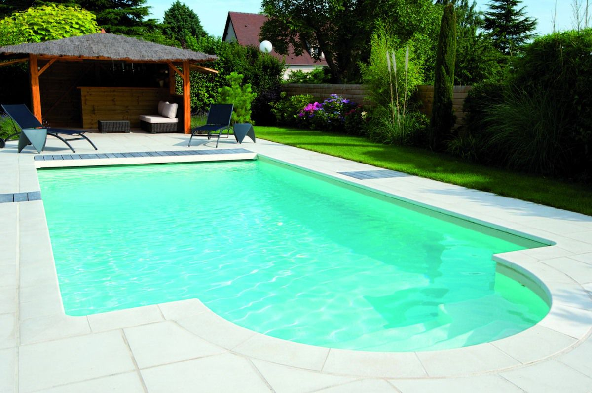 Piscine liner sable piscine 10x5 avec un escalier for Liner de piscine
