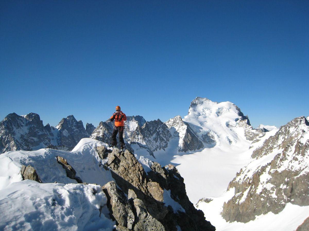 ascension col Emile Pic, pic de Neige Cordier, Descente dans le refuge de Temple Ecrins:) Col des Neiges