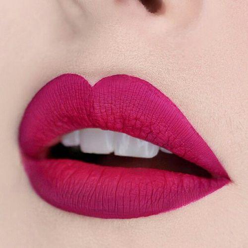 Quelques exemples on peut voir que c'est très matte que il y a un fini sec sur les lèvre contrairement à un RAL normal.