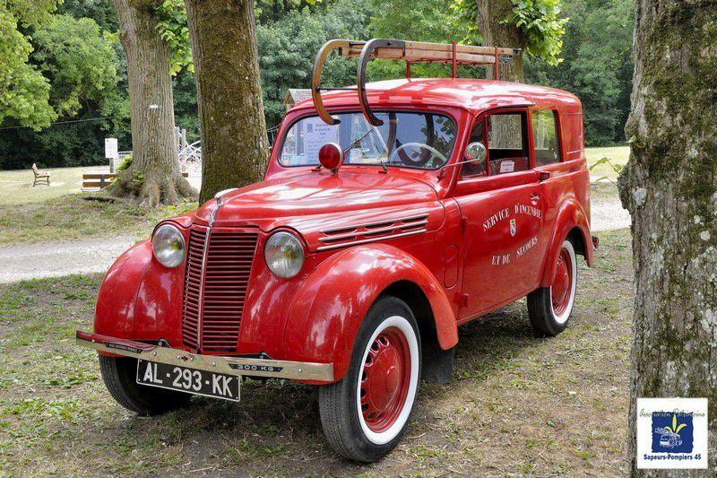 L'exposition statique des vieux véhicules des Sapeurs-Pompiers