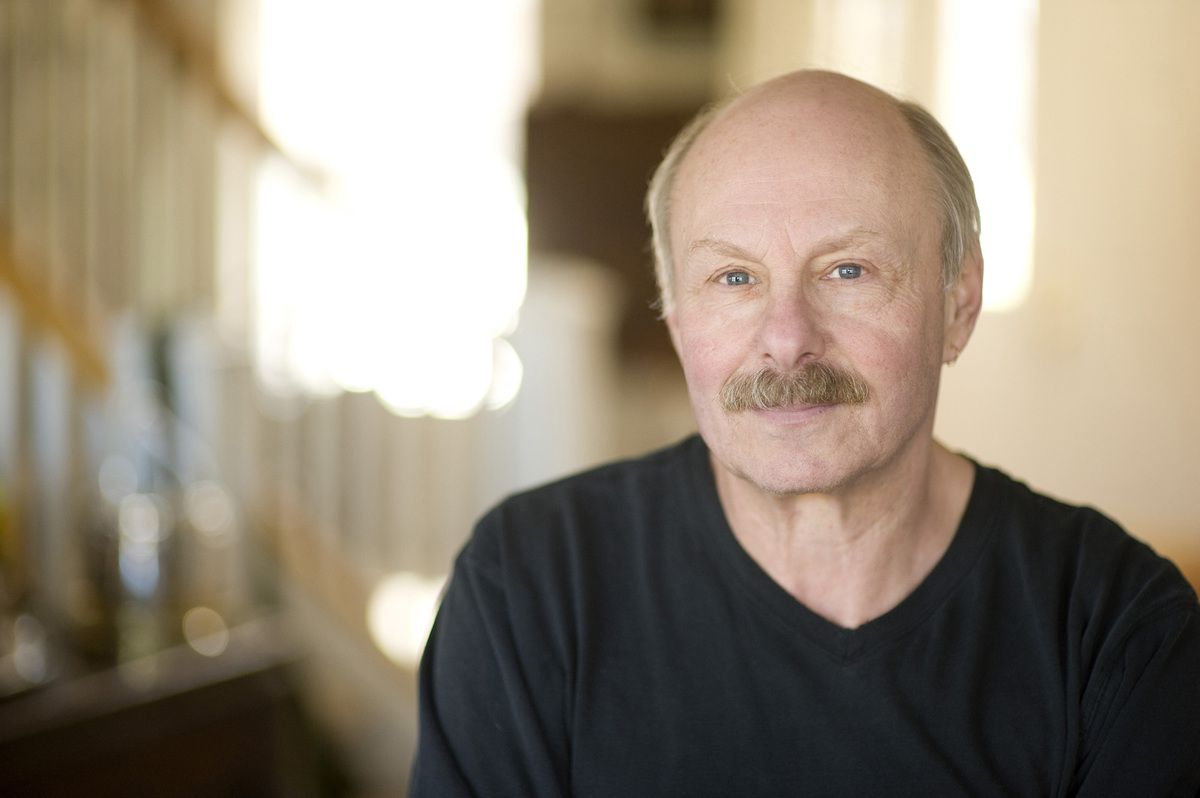 James Howard Kunstler. DR.