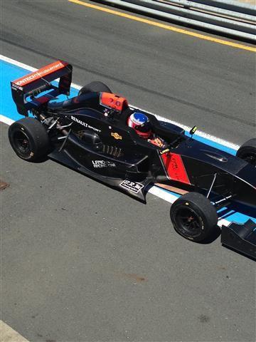Roulage en Formule Renault 2.0 avec le team V-USA