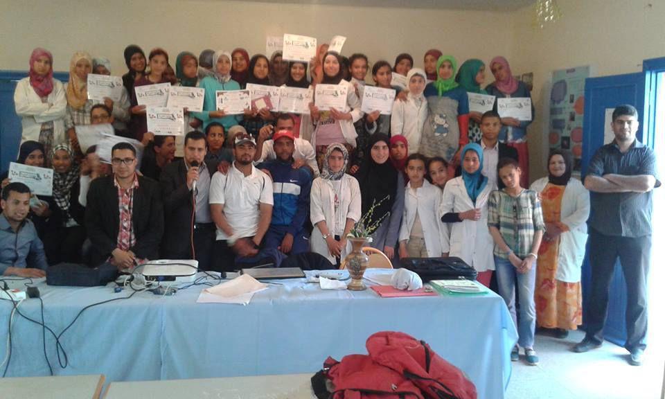 مشاركة الأستاذ عبد القادر رجاء في اليوم الاشعاعي العلمي لثانوية عمر بن جلون الإعدادية بالصويرة