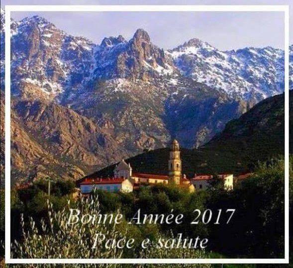 """Photo extraite de"""" la montagne corse et ses balades"""" de Jean Noël. Village de Calenzana Montegrosso en arrière plan"""