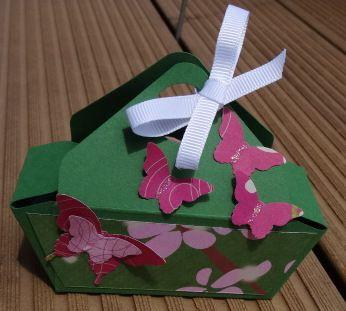 Petite boîte avec l'insta'enveloppe.
