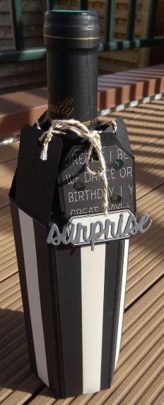 Boîte-cadeau pour bouteille.