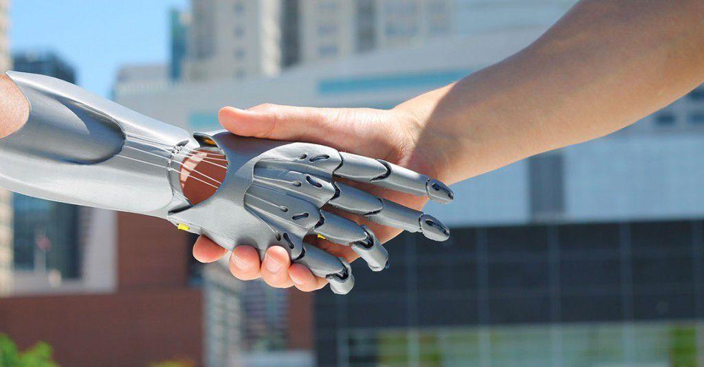 Contrôler des bras robotiques par la pensée