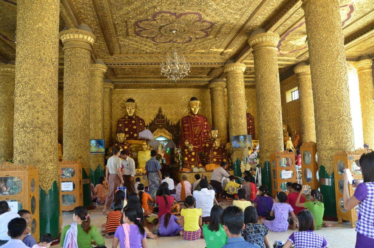 Une des salles de prières