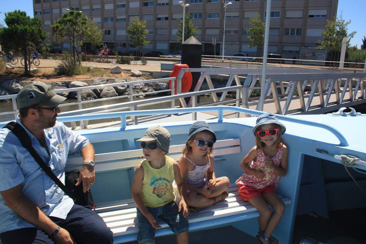Navette pour Toulon et petite train touristique...soporifique si on en croit les filles qui se sont endormies....