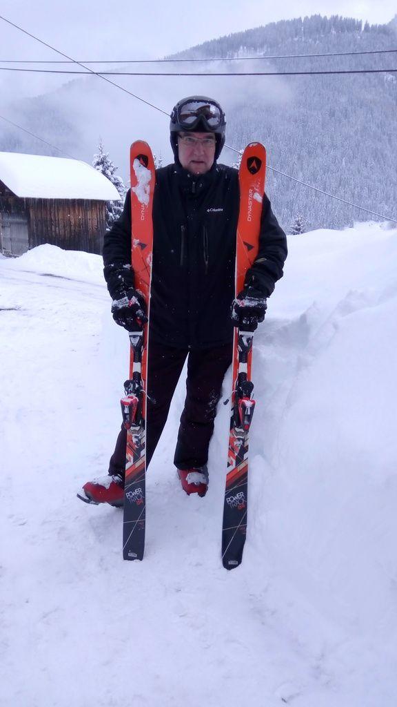 Les enfants sont revenus du ski, ils ont adoré, enfin surtout les jumeaux car, pour Candice, la neige elle est trop froide!! Par contre elle s'est trouvée une nouvelle occupation, la photo et principalement les selfies....