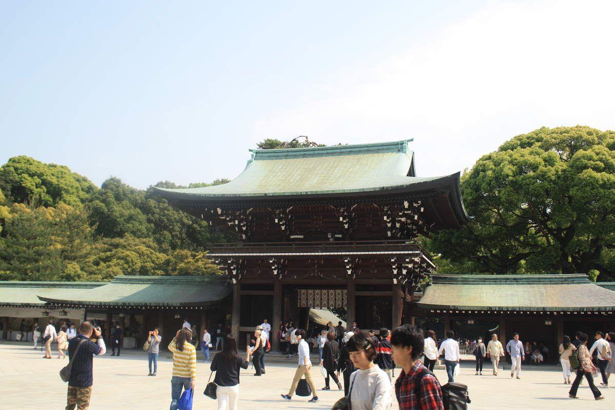 Tokyo plus traditionnel. Nous avons d'ailleurs assisté à un mariage dans la plus pure tradition japonaise....