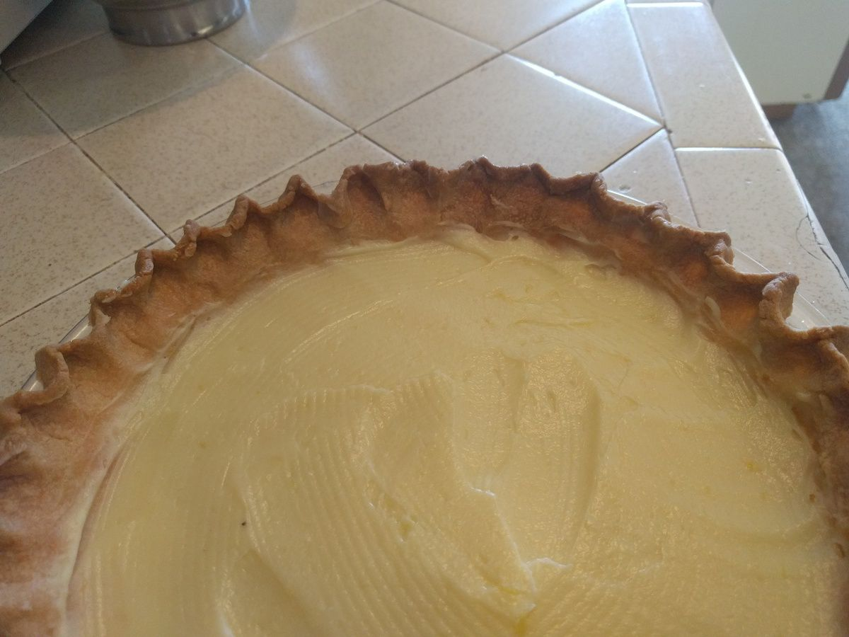 Lemon meringue pie in 3 easy steps