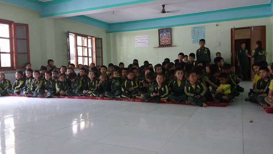 Compétitions inter-maisons à l'école bouddhiste de Manali