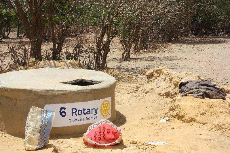 Ce 1er avril, notre ami Michel Gagniac inaugure les 8 puits Rotariens creusés au Sénégal.