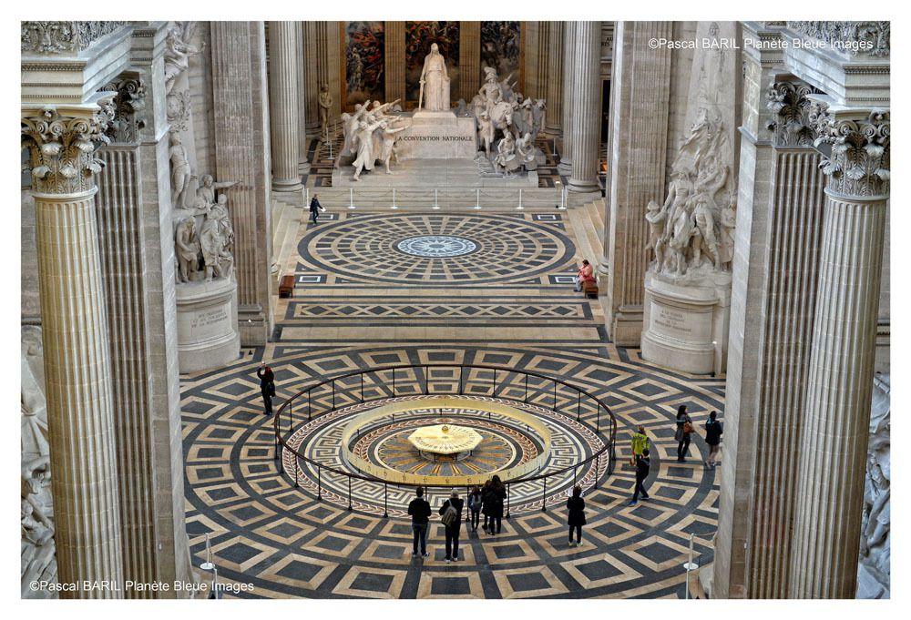 Magazine Histoire et Jeux : Entrez au Panthéon sur 4 pages
