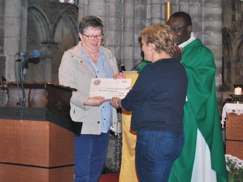 Remise du chèque d'effort de Carême à l'association Solidarité