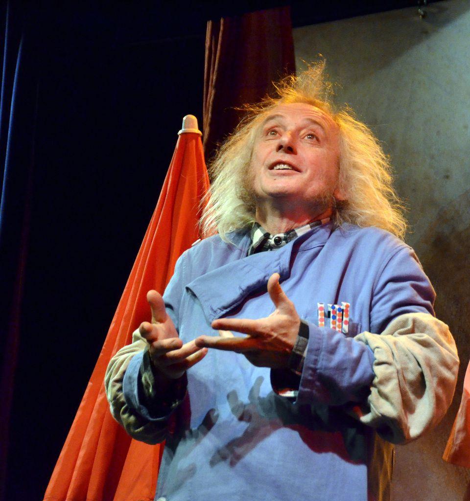 l'auteur Henry Le Bal joue Mathurin et le plagiste