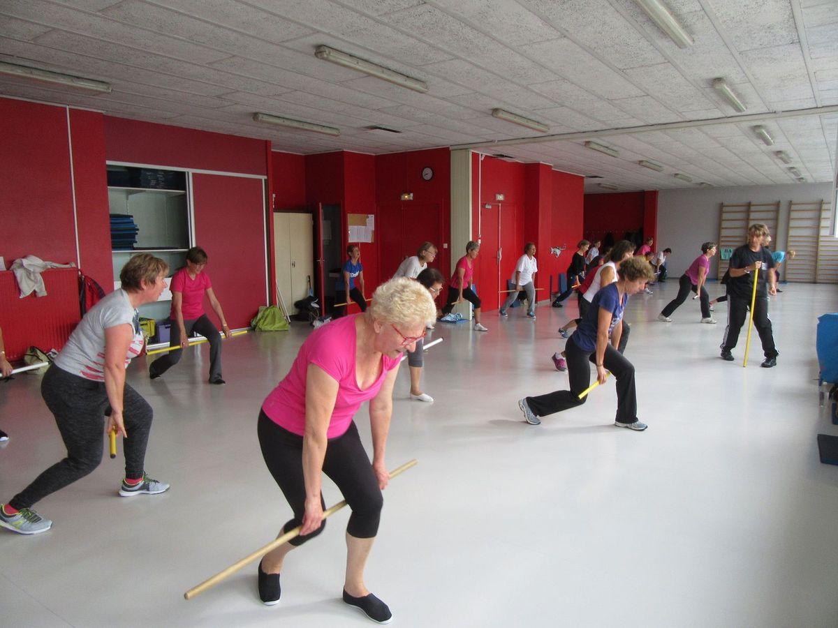 Cours de Gym Senior dynamique avec Sandra le Mardi à 8 h 45, 9 h et 11 h.