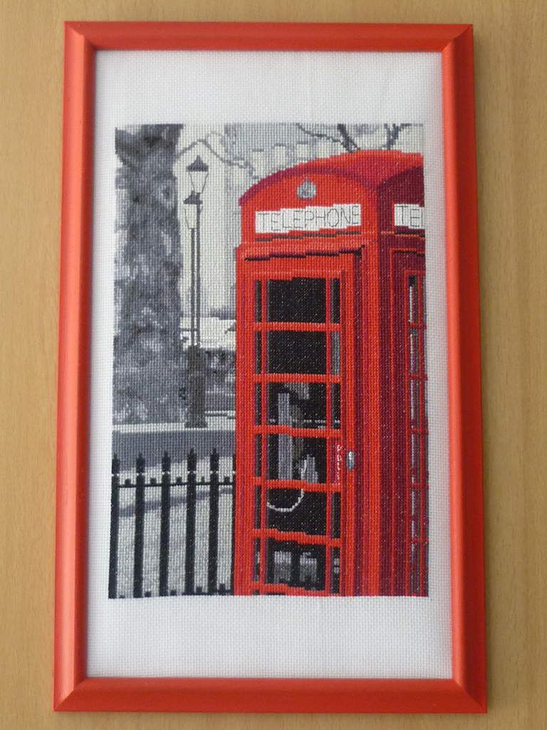 "London - Mod. BK1172  DMC ""London Telephone - Coup de fil de Londres "" - de Christelle pour Laura - 2016"