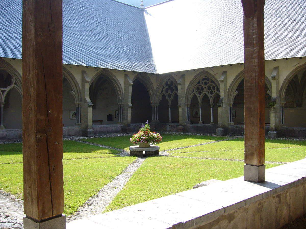 Cloître de l'abbaye d'Abondance