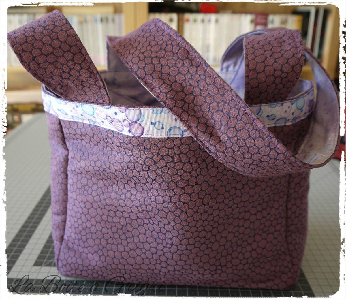 Suédine violette effet serpent, intérieur parme brillant (en vente sur ma boutique)