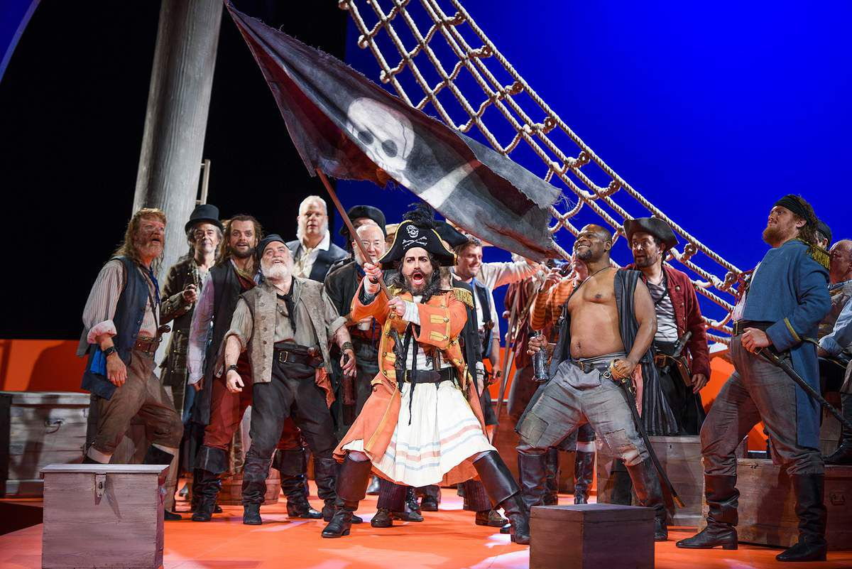 The Pirates of Penzance de Gilbert et Sullivan au théâtre de Caen