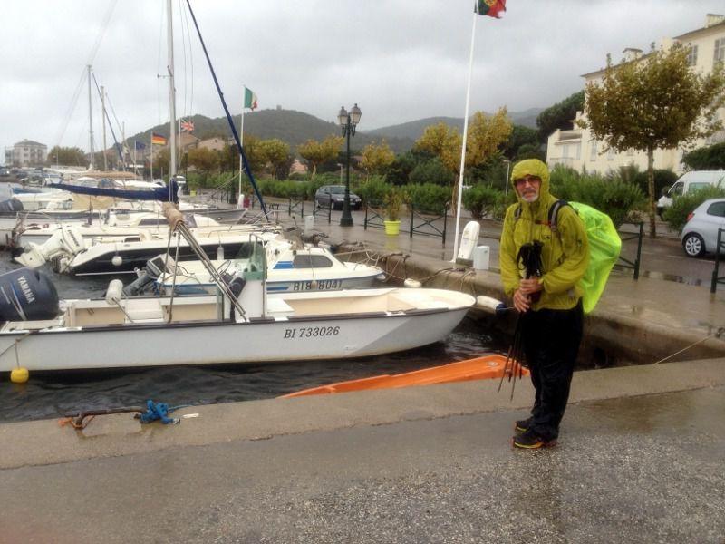 C'est fini! Une photo au port comme le premier jour, mais un peu plus humide!