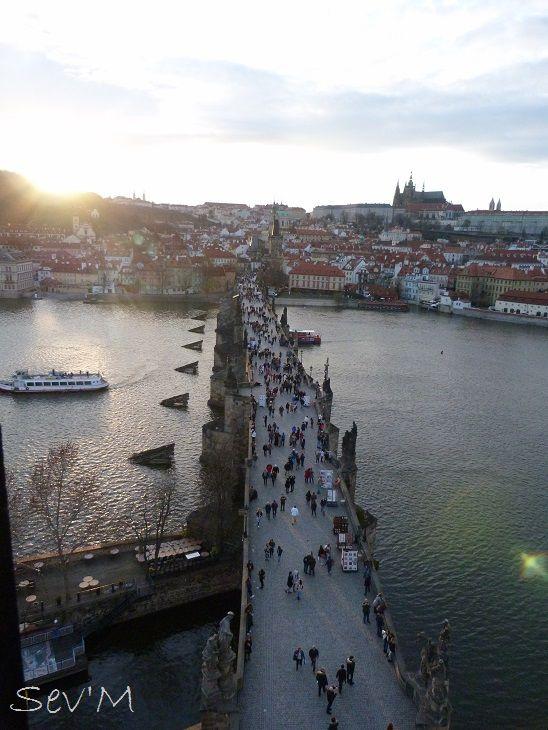 On finit sur une vue du pont Charles depuis l'une des tours médiévales !