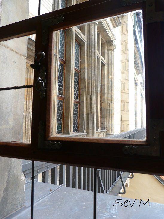 Et justement dans le château on trouve cette fenêtre d'où deux pauvres larrons ont été défenêstrés il y a quelques siècles !