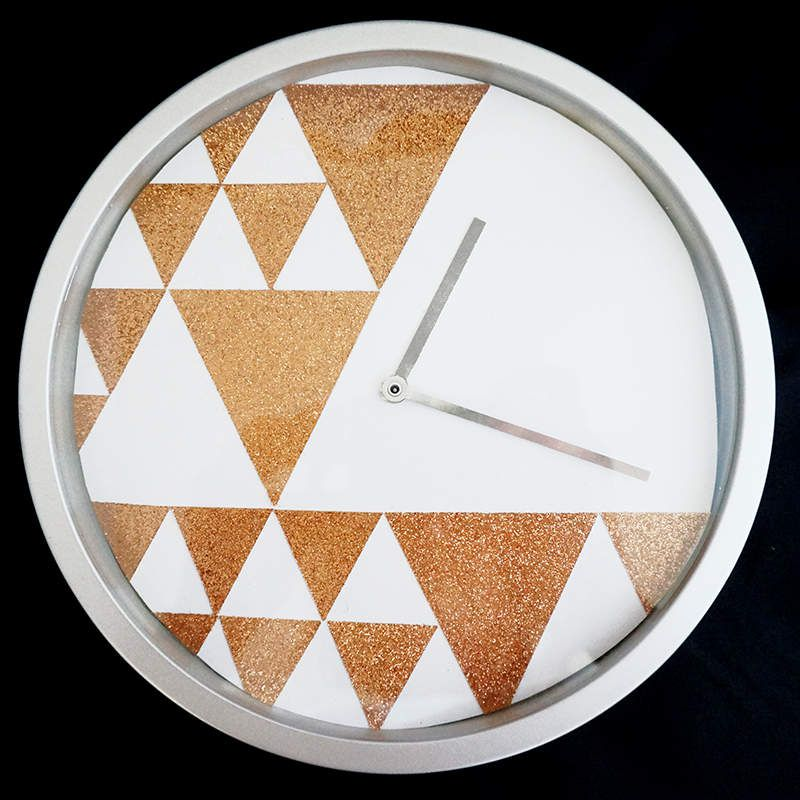 Scrap &amp&#x3B; DIY Horloge graphique