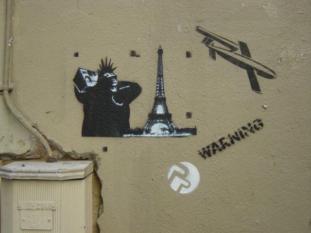 Street_Art_Stencil_Pixal_Parazit_Paris_2005