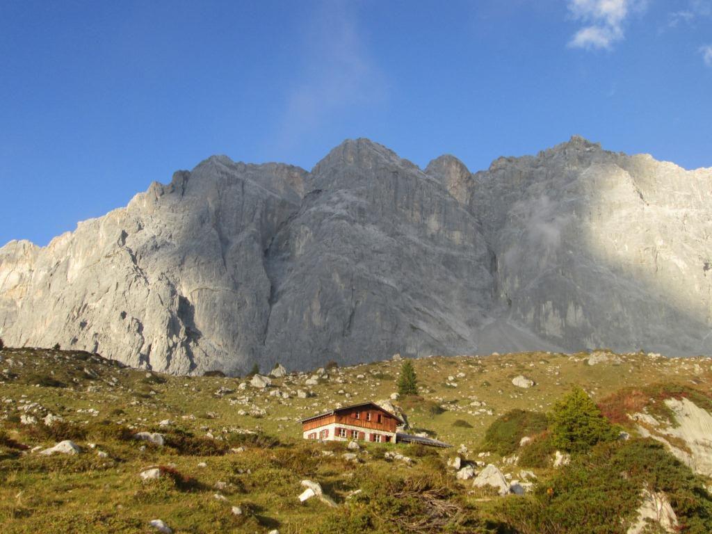 Les Drusenflu, Alpenkönig se déroule sur le sommet de gauche