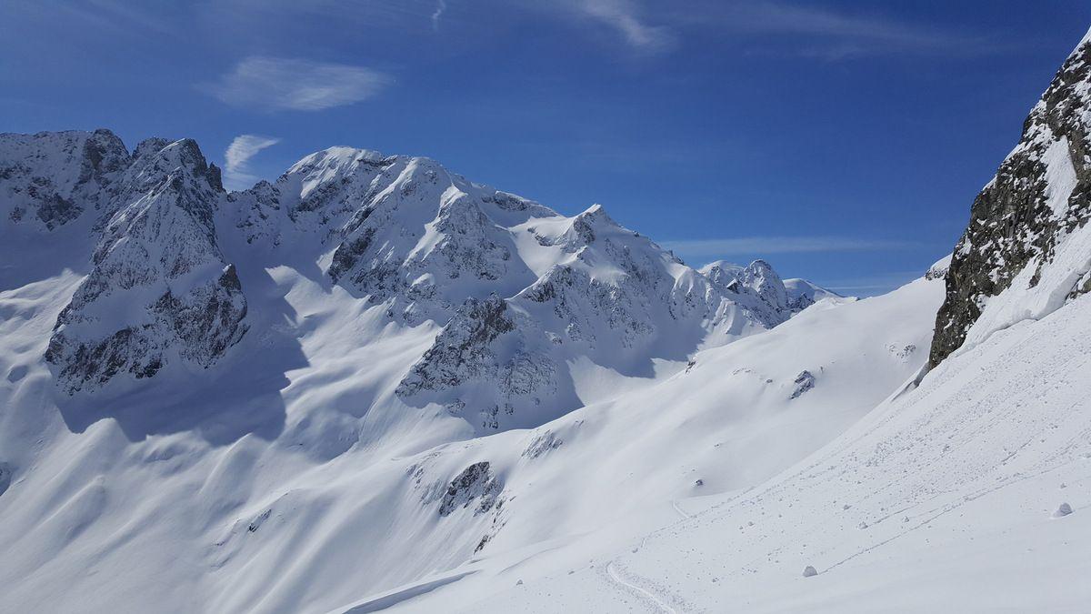 La descente versant Bérard du col du Belvédère