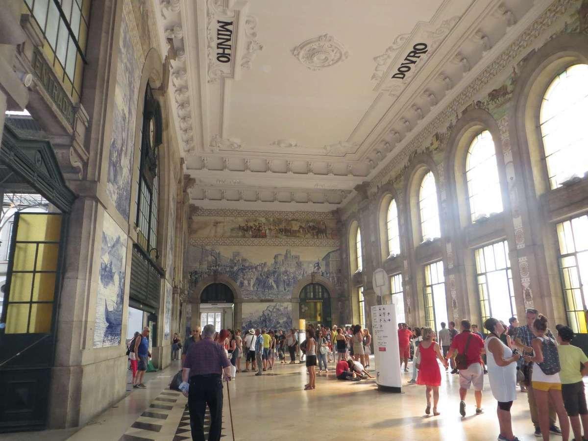 La magnifique gare de Porto