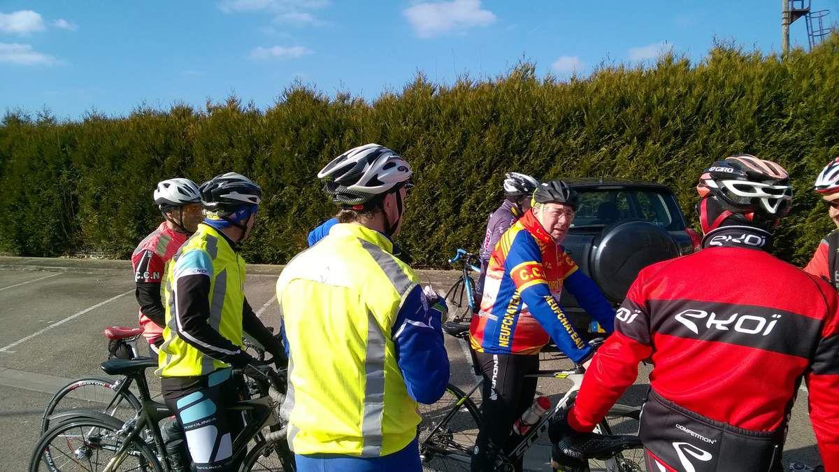 16 cyclistes au RDV pour cette sortie du samedi avec soleil et temperature de 10/12°... Passage par Pompierre, Nijon, Chaumont la Ville, Médonville et retour par Jainvillotte avec 75kms au compteur.