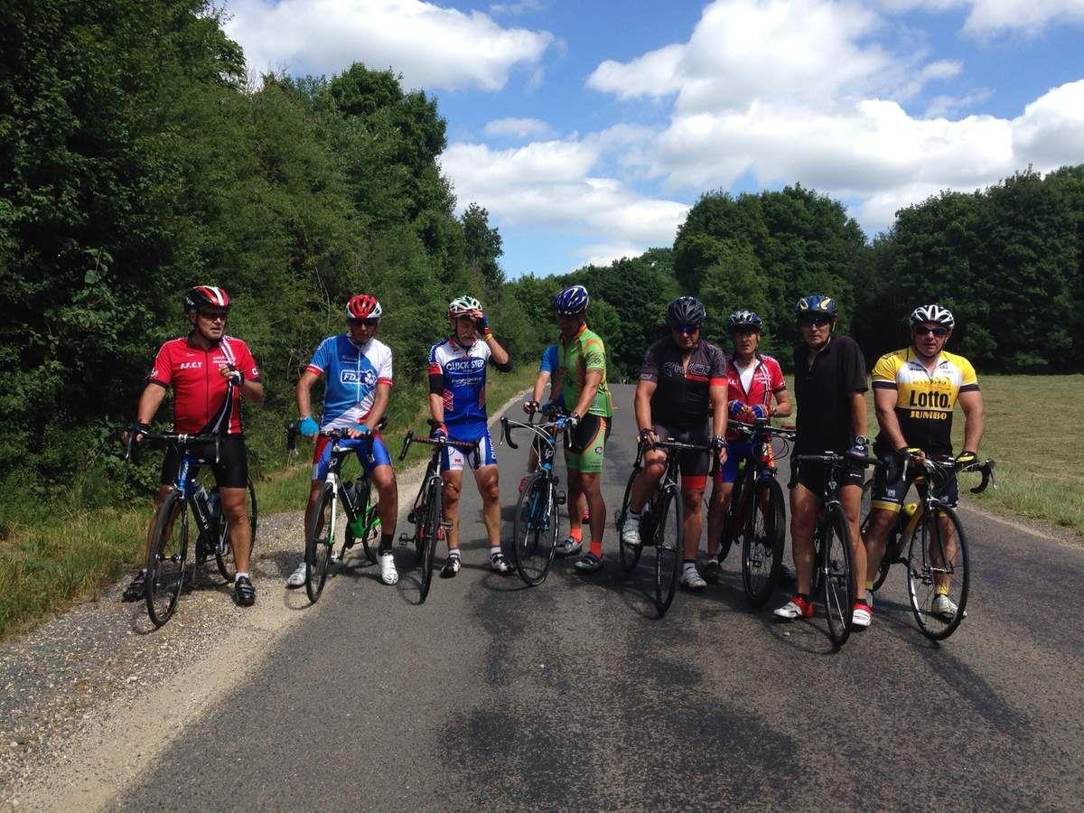 Sortie pour une dizaine de cyclos de 80 Kms via Vrecourt, Goncourt et Liffol...