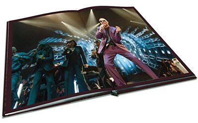 De nombreuses photos d'une qualité exceptionnelle sur double-pages illustrent l'ultime tournée de George Michael.