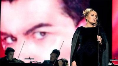 Adele aux Grammy Awards 2017 - Hommage à George Michael