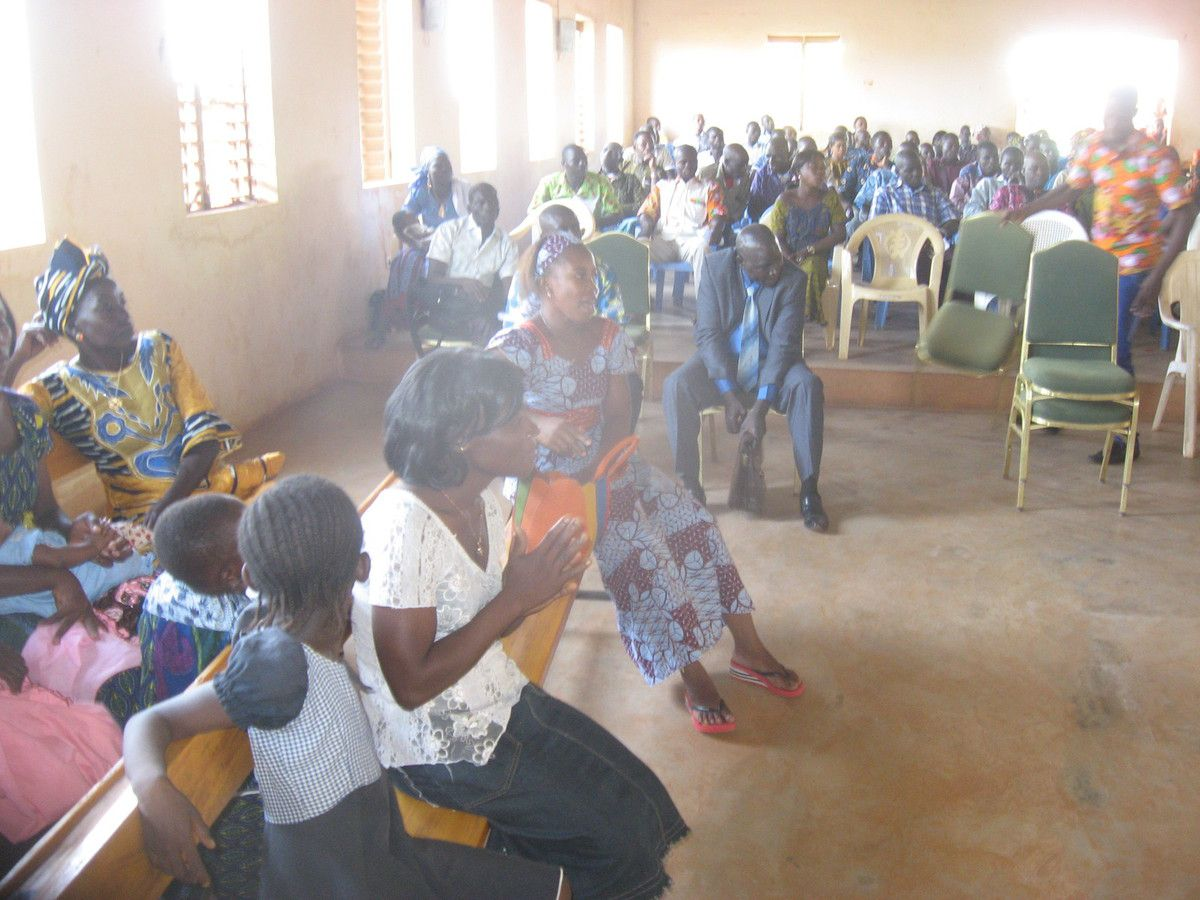 Mariage de SAWADOGO Abdoulaye Noël et SANOU Nathalie le 7 Novembre 2015 à Bobo-Dioulasso